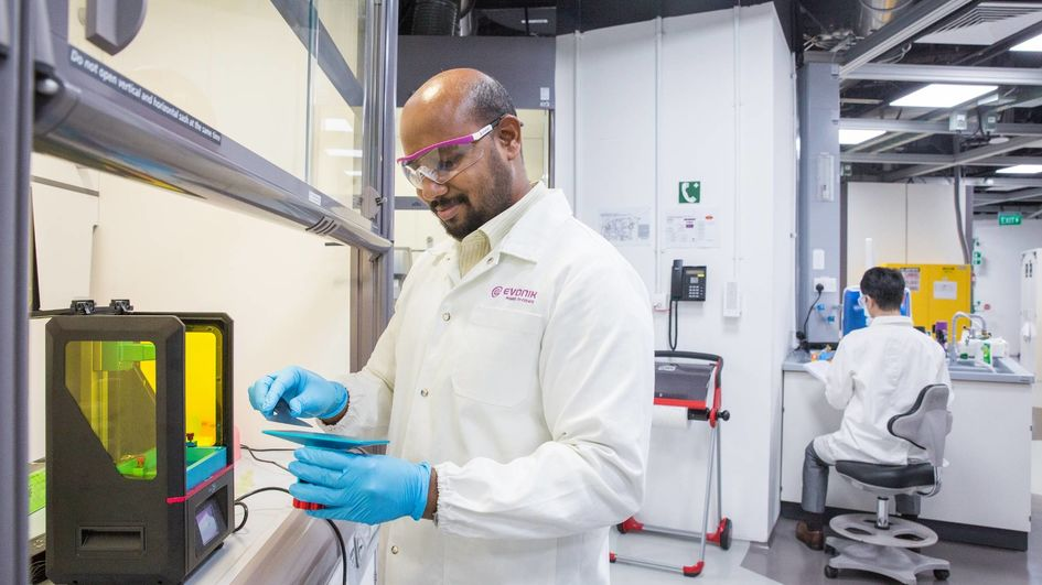Evonik launches new product line of photopolymers for 3D printing.